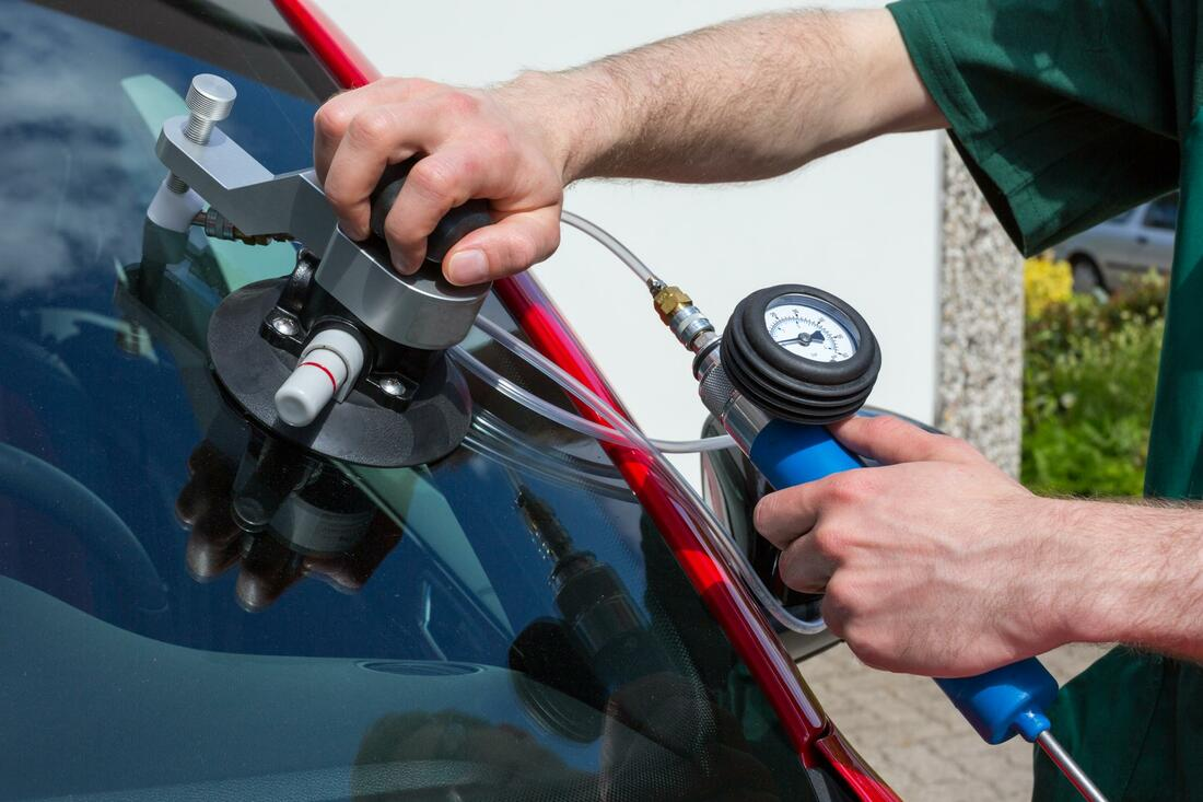 this is an image of auto glass repair in los angeles